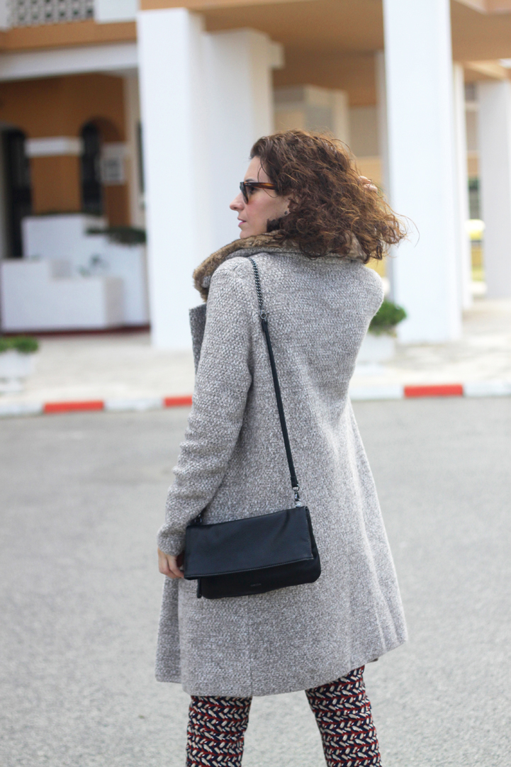 wool-coat-print-pants-paillettes-scarf-geox-bag-mocasins-shoes-Outfit-Street_Style-1