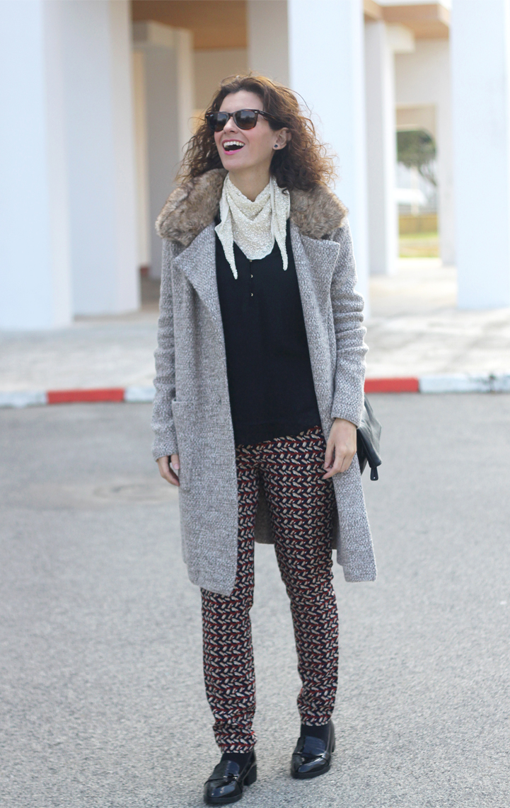 wool-coat-print-pants-paillettes-scarf-geox-bag-mocasins-shoes-Outfit-Street_Style-2