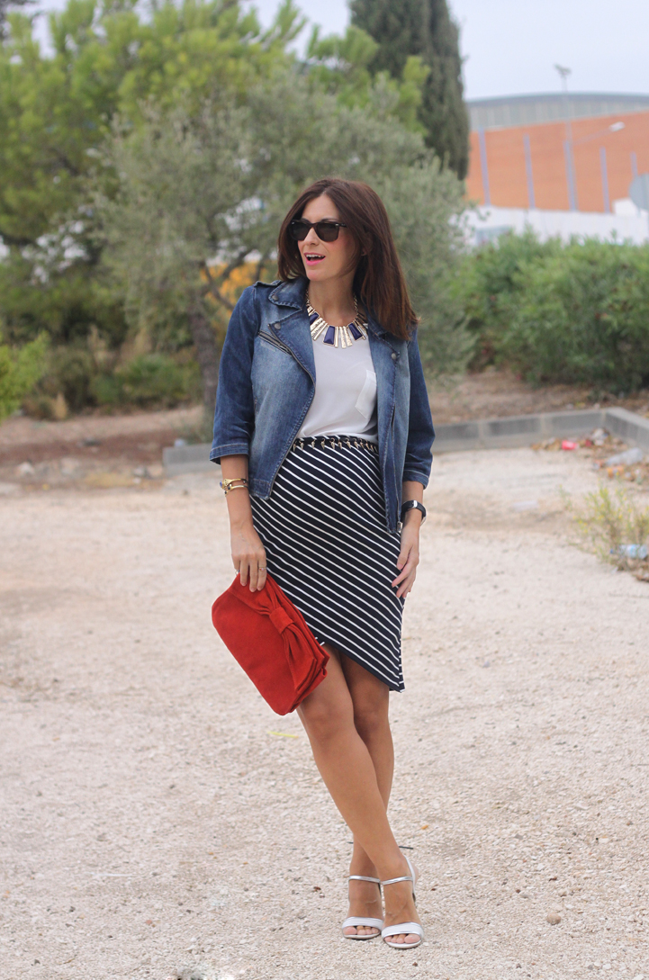 Stripes-skirt-34-weeks-pregnant-look-3