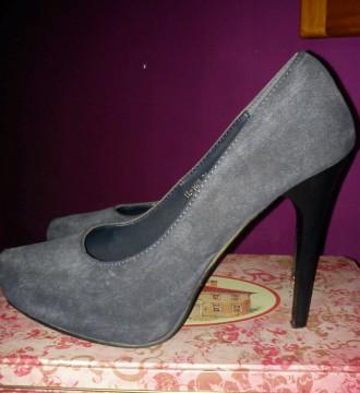 Zapatos azules tienda local