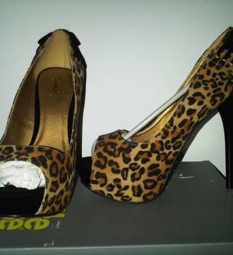 zapatos leopardo talla 36.37