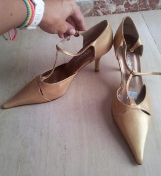 Zapatos dorados del Corte Inglés