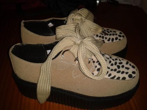 Creepers beis leopardo talla 37