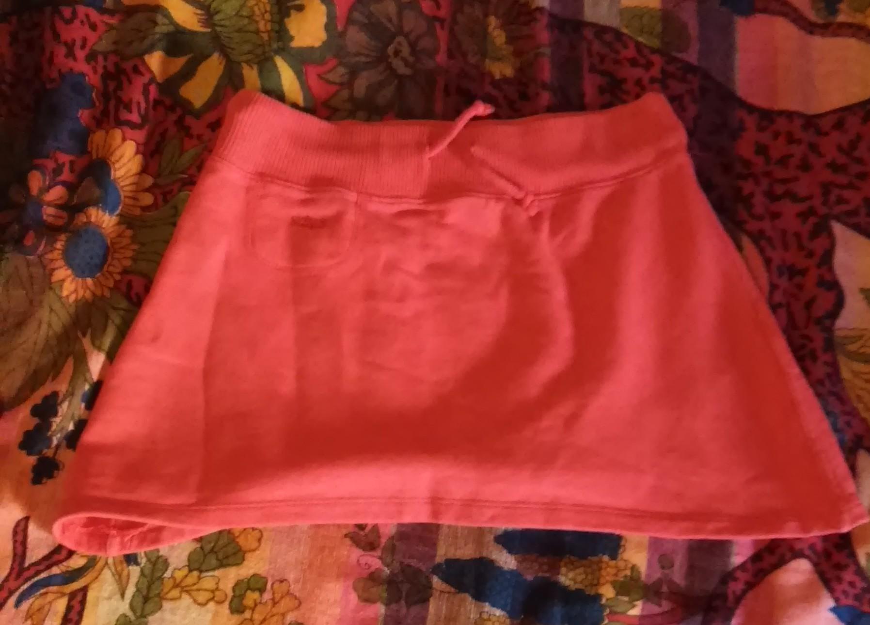 Falda roja deportiva