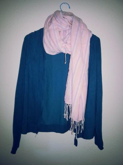 Rebeca azul turquesa con bufanda de Zara