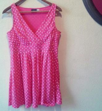 Vestido lunares rosa y blanco escote