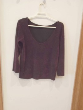 Camiseta con puntos grandes de terciopelo violeta