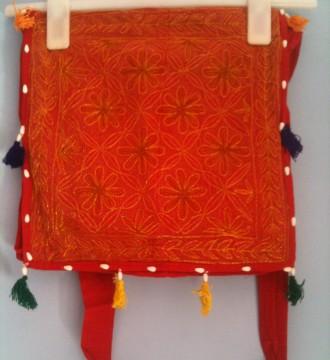 Bandolera de tela hindú rojo