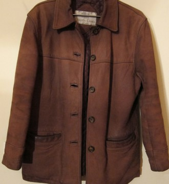 Chaqueta unisex de cuero en color marron