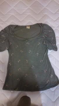 Camiseta cuello bebe