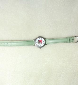 reloj de minnie verde