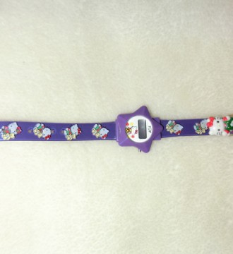 reloj digital morado de hello kitti