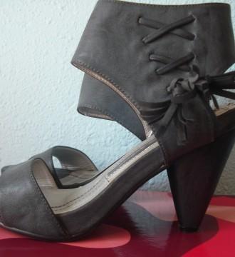 Sandalias tacón grises 39-40