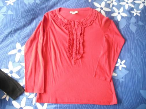 Camiseta detalles roja