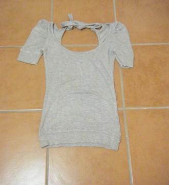 Preciosa camiseta gris