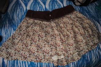 Falda con estampados