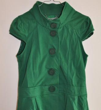 Chaqueta sin mangas verde Bershka L