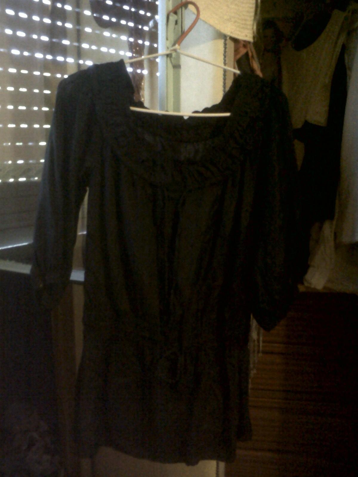vestido negro finito