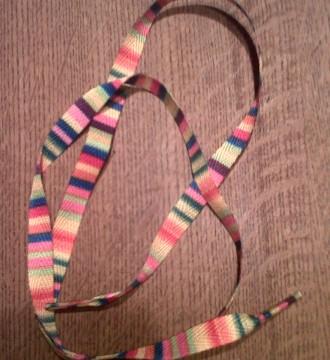 cordones de rayas de colorines