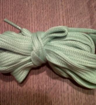 cordones verdes claros