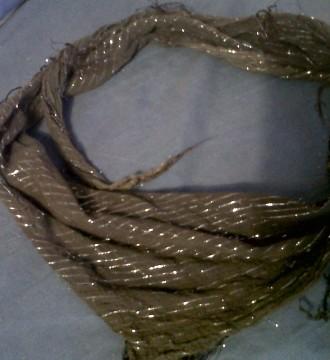 pañuelo marrón con plateado