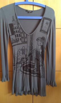 Vestido gris chica