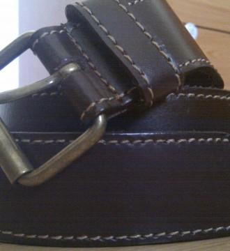 cinturón mango marrón a cadera