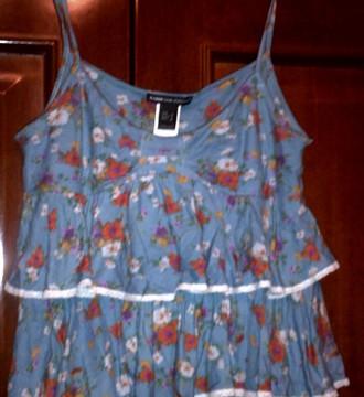 camisa de tirantes con estampado floreado