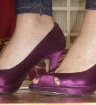 Zapatos púrpura talla 40
