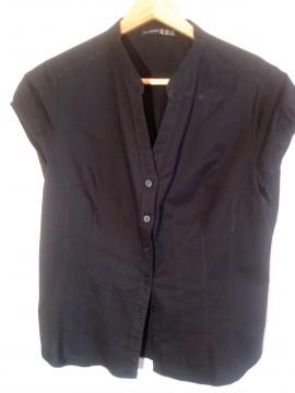 Camisa negra cuello Mao