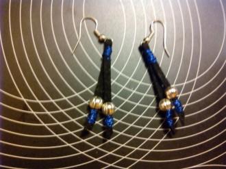 Pendientes de terciopelo negro y azul