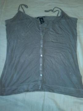 camiseta gris hym