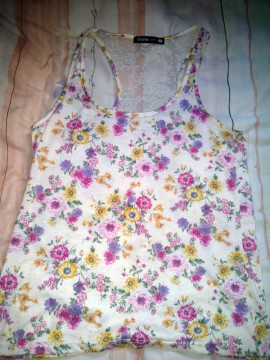 Camiseta flores nadadora