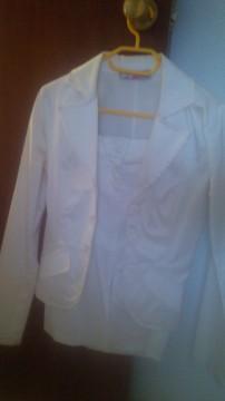 Conjunto falda y chaqueta