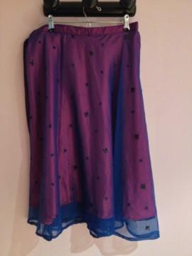 Falda de fiesta en gasa y seda bordada
