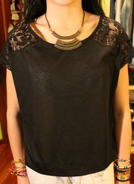 Camiseta negra bershka