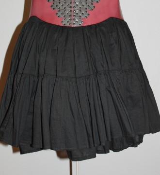 Falda negra con goma