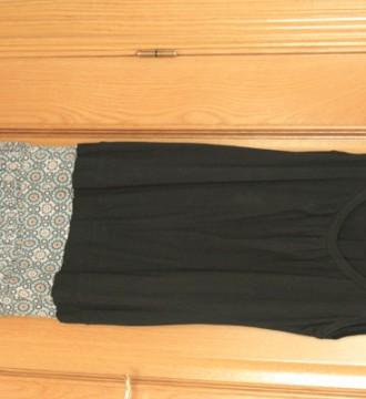 vestido negro faldita estampada