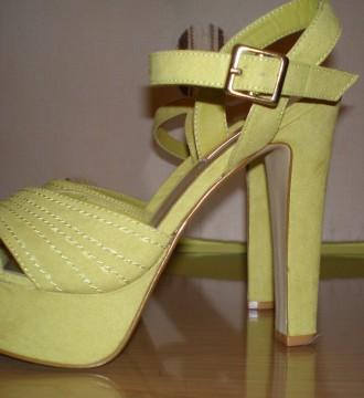 Zapato plataforma verde lima