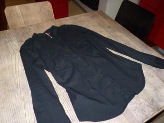 Camisa negra entallada