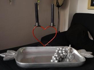 bandeja de metal+portavelas ,,san valentin,,
