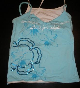 camiseta azul verano