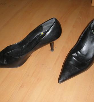 zapatos negros mustang