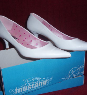 Zapatos blancos Mustang