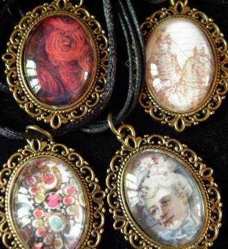 Camafeos de varias formas y colores
