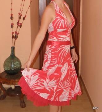 Vestido de fiesta en blanco y rojo