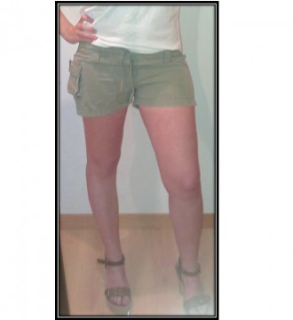 Pantalón corto verde. FishBone. S-XS