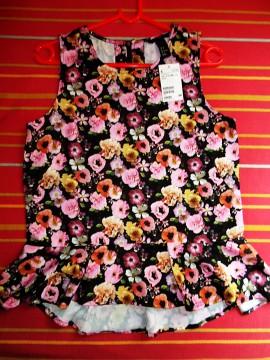Blusa floral peplum H&M, talla 38. NUEVA!