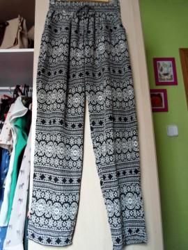Pantalones anchos étnicos (blanco y negro)