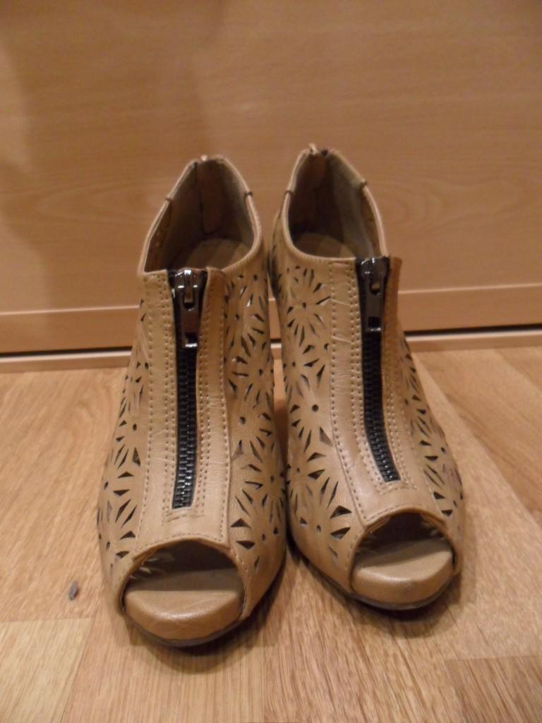 Zapatos calados